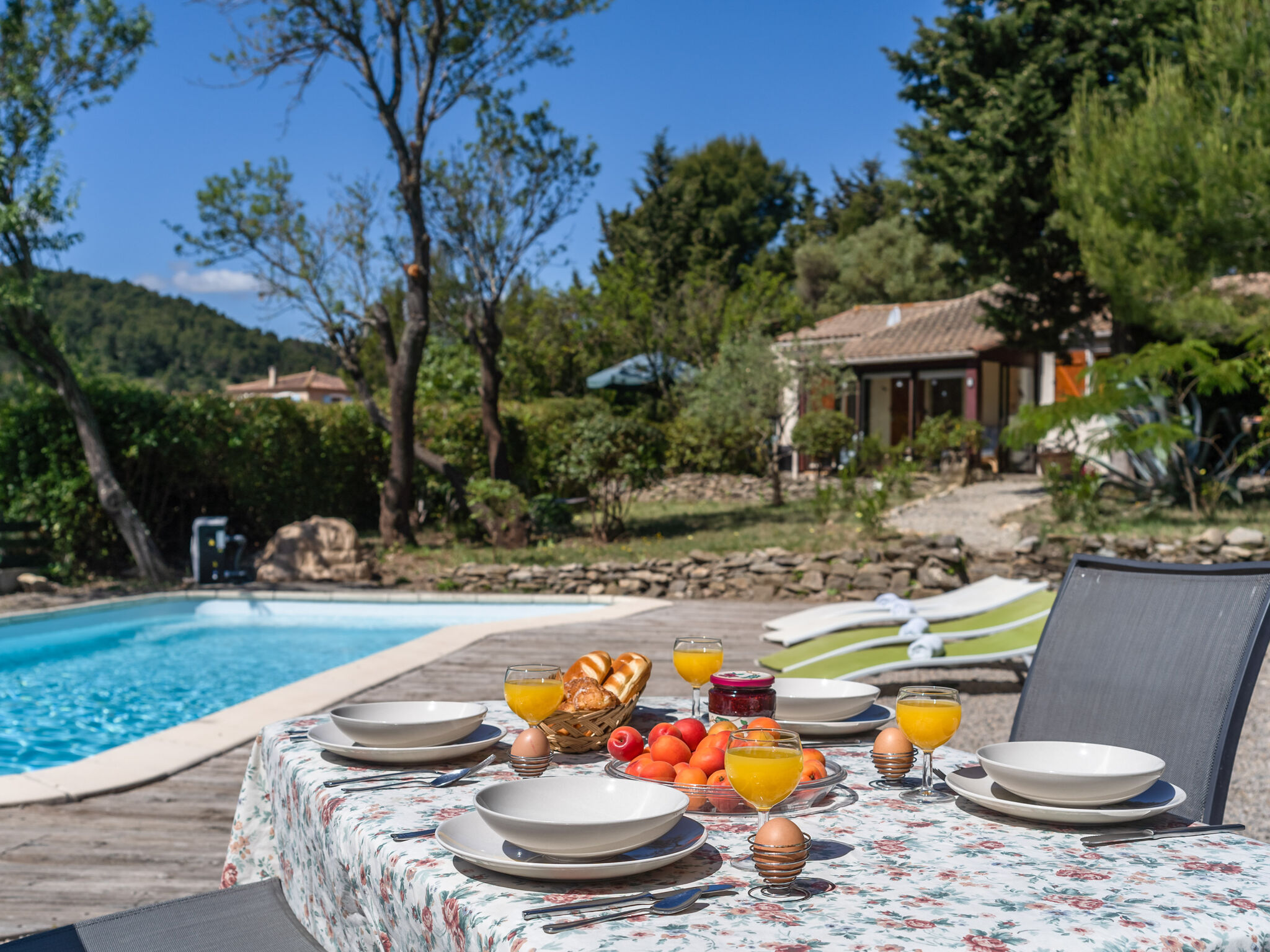 Sold - Furnished cottage with lovely view  in Montbrun des Corbières (11700 - Aude)